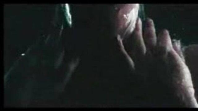 कोई पंजीकरण Porno  बैंगनी स्वेटर। फ्लिप फ्लॉप-समलैंगिक सेक्सी फिल्म वीडियो फुल एचडी 4k