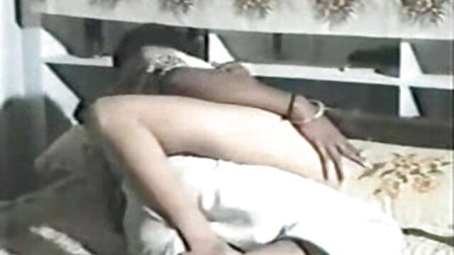 कोई पंजीकरण Porno  वह पुरुष सेक्सी फिल्म फुल एचडी उसके प्रेमी के साथ fucks