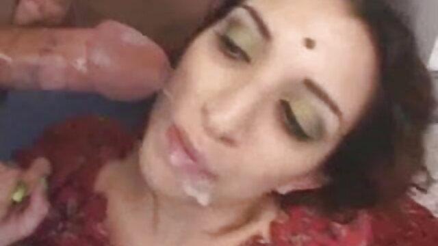 कोई पंजीकरण Porno  एड्रियन को सेक्सी फिल्म वीडियो फुल गॉर्ड के घर से स्क्वाट गड़बड़ हो जाता है